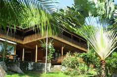 Lazare Lodge
